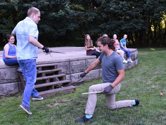 Tybalt (Justin Wanner) slashes at Mercutio (Jordan