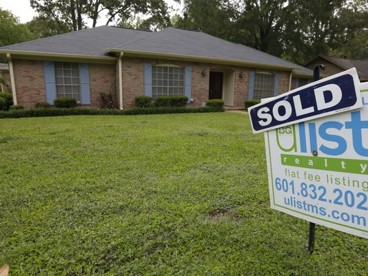 Study: Homebuyers with lower credit scores pay extra $21,000 in mortgage costs