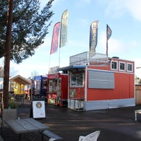Stayton postpones vote on food cart regulations
