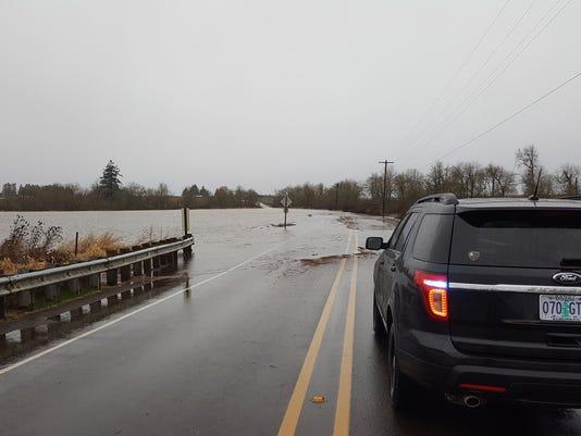 636222365222705307-flood.jpg