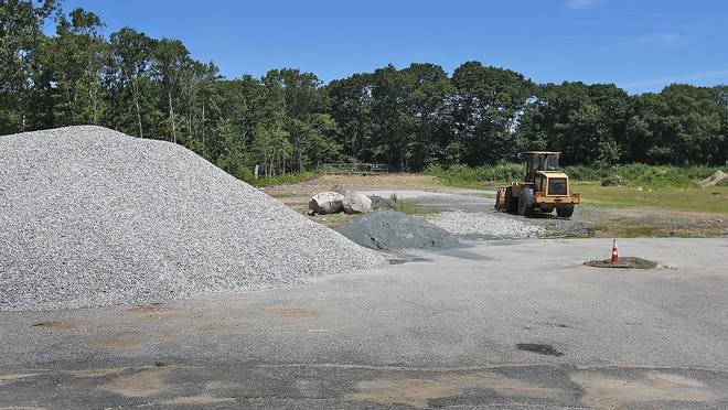 Construction of the Petersen Pool and Rink near Braintree High School has been stalled due to drainage issues at the site.  Greg Derr/The Patriot Ledger