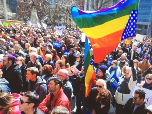 Thousands in Indy protest 'religious freedom' law