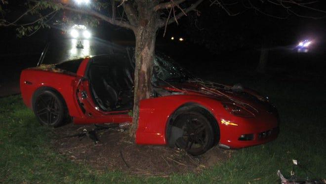 Zmood's car crashed into a tree.