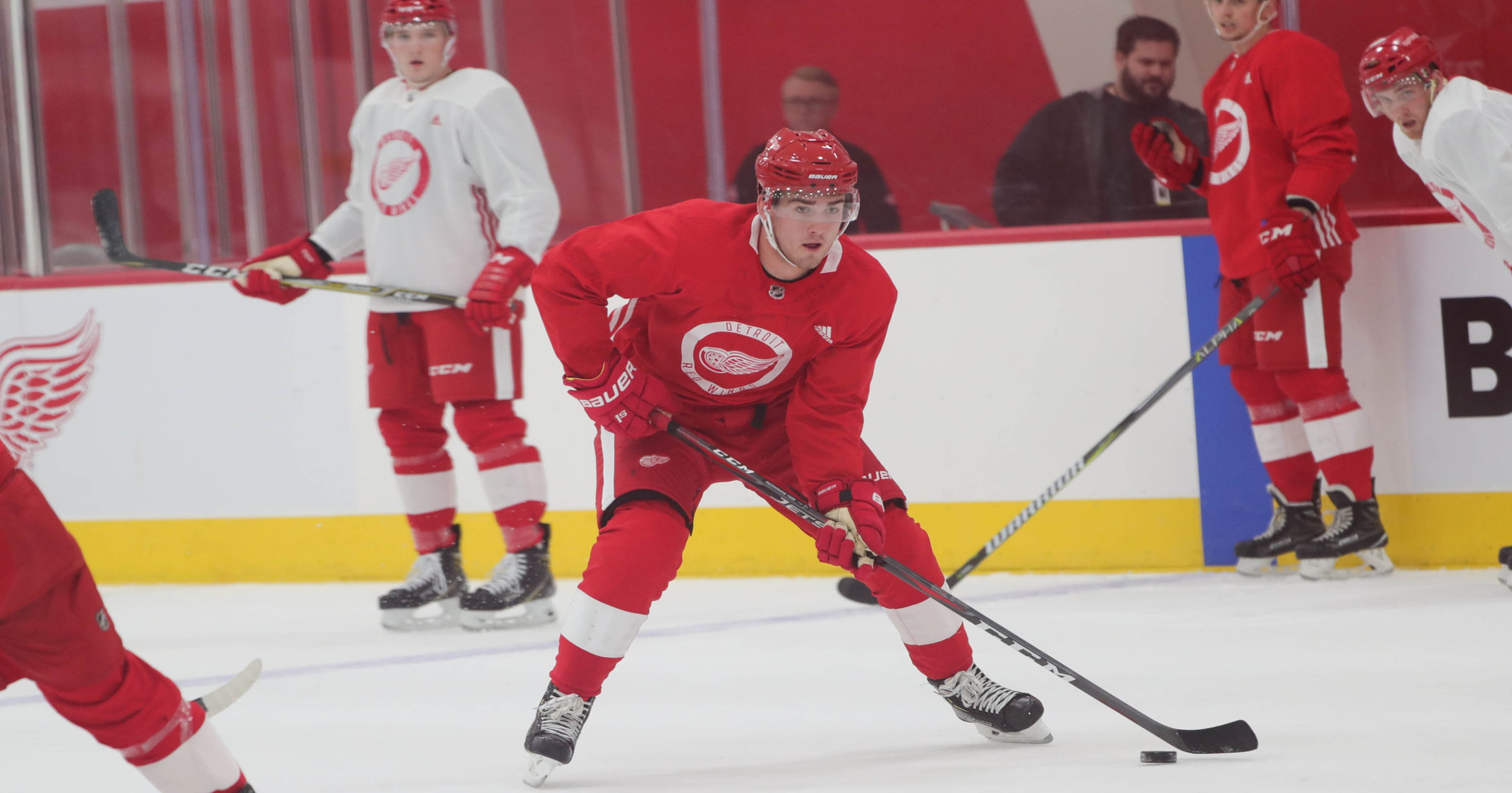 1378f2525 Detroit Red Wings sign top pick Filip Zadina to three-year deal