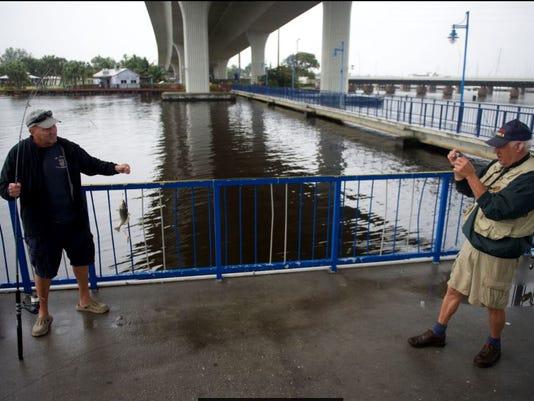 Roosevelt-Bridge-fishing-pier.JPG