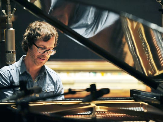 AUG. 21