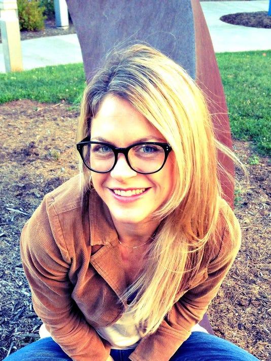 Susanna Barbee headshot 1