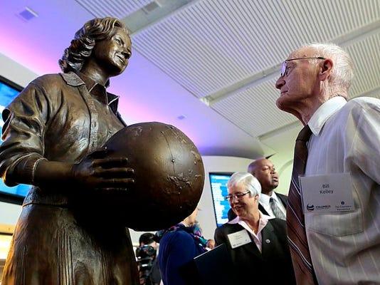 NEW 041714 Jerrie Mock Statue 01jp.JPG