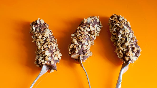 Frozen Chocolate Granola Bananas are easy to make and taste good, too.