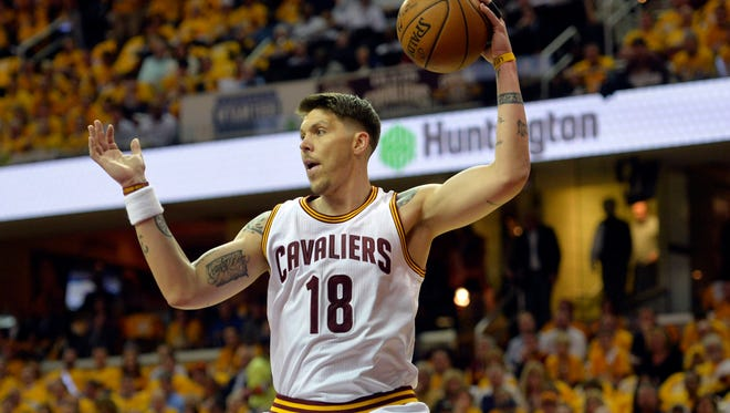 May 4, 2015; Cleveland, OH, USA; Cleveland Cavaliers guard Mike Miller (18) rebounds in the first quarter against the Chicago Bulls in game one of the second round of the NBA Playoffs at Quicken Loans Arena. Mandatory Credit: David Richard-USA TODAY Sports