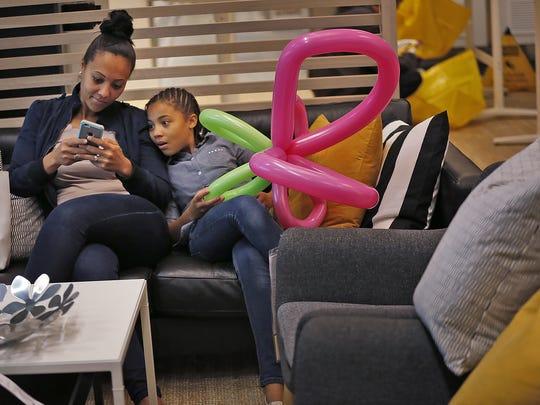 Ahlena Privott, left, and her daughter Brielle Jones