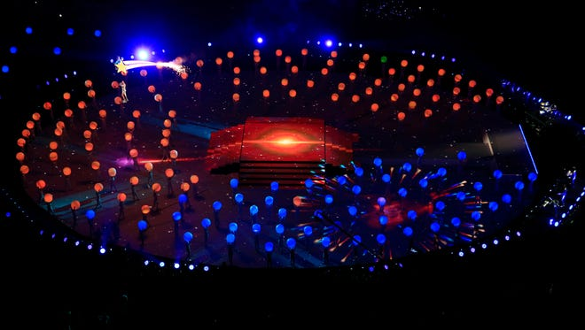 An aerial view of Katy Perry performing during the halftime show in Super Bowl XLIX.