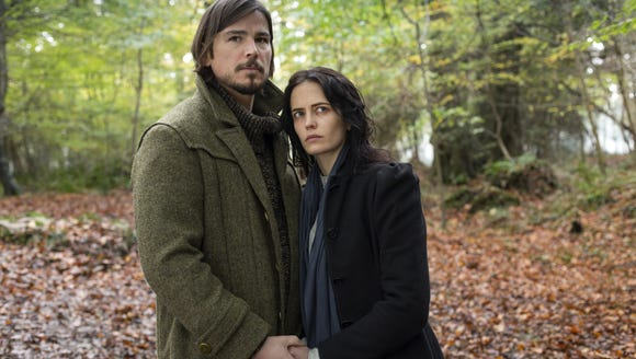 "Josh Hartnett and Eva Green ""Penny Dreadful."""