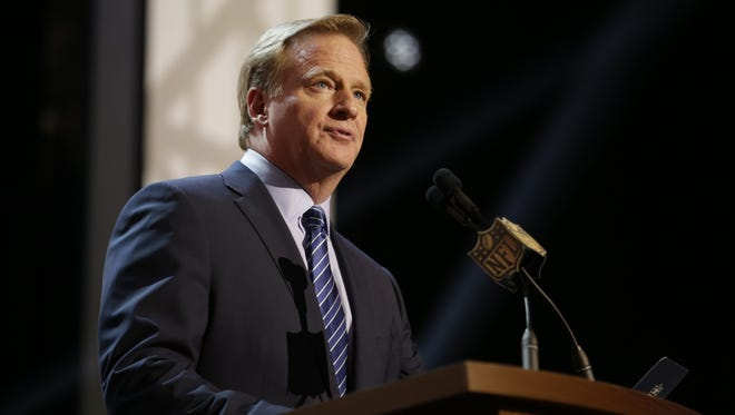 NFL commissioner Roger Goodell addresses the crowd during the first round of the 2015 NFL Draft, Thursday, April 30, 2015, in Chicago.