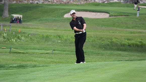 GlenArbor director of golf Rob Labritz is 6-under and tied for the lead at the Metropolitan Professional Championship.