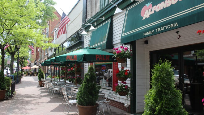 Alfonso's serves eclectic Italian cuisine.
