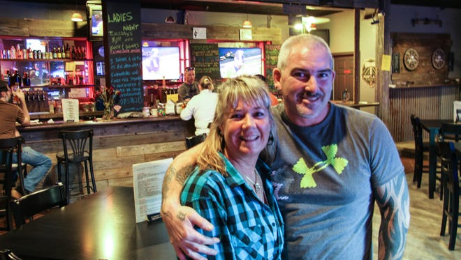 Kari and Donovan Wallace opened Heroes Tap House in South Salem on Sept. 11.