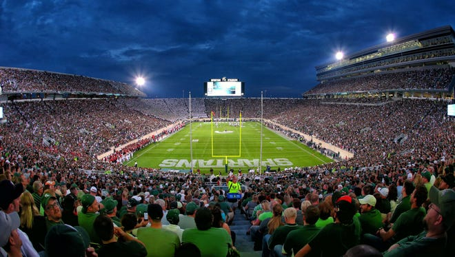 Dry, cool and sunny weather is expected for Saturday's football showdown between the Spartans and Terrapins.