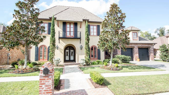 This home at 109 Brookshire Gardens has 5 BR, 41/2 BA and 3626 sq ft of living. It is listed at $750,000.