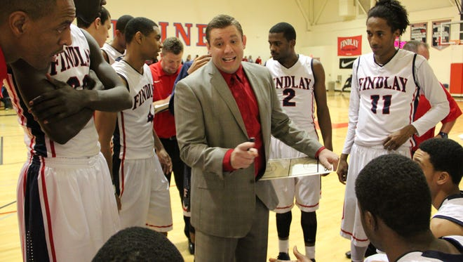 Todd Simon, seen with his Findlay Prep team in 2013, was selected as interim coach at UNLV. He is a native of Fowler.