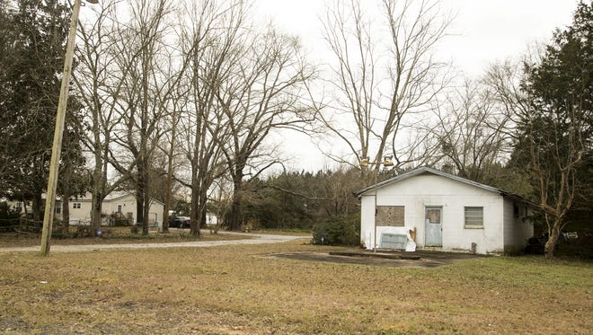 Kyrsten Sinema and her family lived in an abandoned gas station when she was a child.