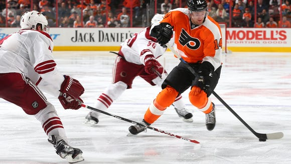 Sean Couturier and the Flyers are looking to get a win without Jake Voracek in the lineup.