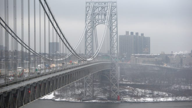 A federal appeals court on Tuesday delayed the release of a list of unindicted co-conspirators in the 2013 George Washington Bridge lane-closing scandal as it considers whether to allow someone named on the list to block its publication.