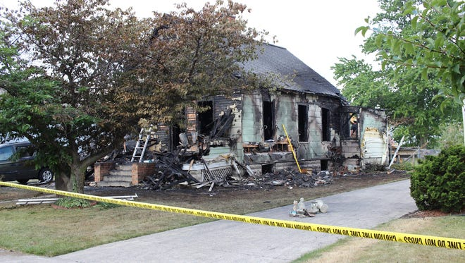 One person died in a fire Thursday morning in the 500 block of Washington Street in Port Clinton.
