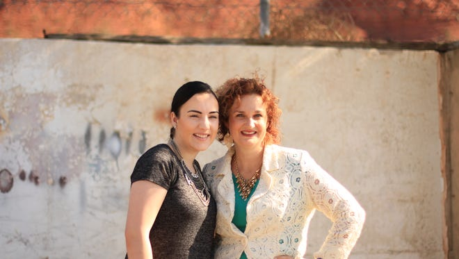 Echo Peterson and her mother, Saskia Stallings.