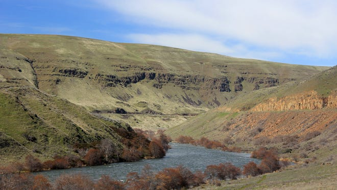The lower Deschutes River Trail