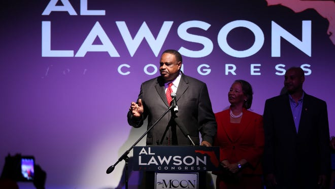 Al Lawson speaks on Nov. 8 at The Moon after winning Congressional District 5.