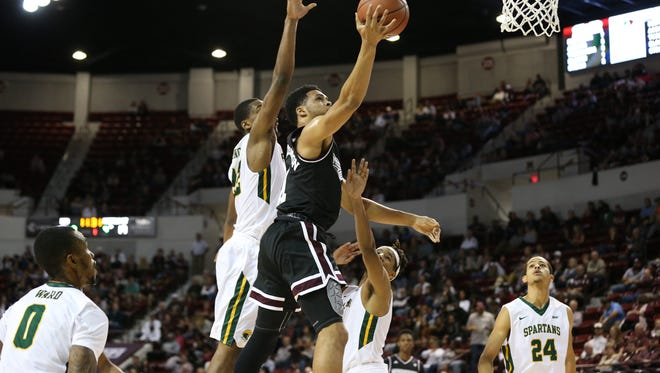 Quinndary Weatherspoon leads Mississippi State into the Charleston Classic averaging 22 points per game.