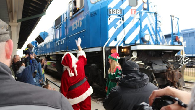 Santa Claus arrives at the Railway Museum of San Angelo.