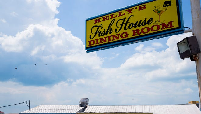 Kelly's Fish House, the area's longest-running restaurant, will close this summer. A new waterfront promenade will go on the property, with outdoor dining, boat rentals and underground parking.