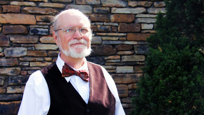 Al Dixon, a mathematics professor at College of the Ozarks, won the 2017 Award for Distinguished College or University Teaching of Mathematics from the Missouri section of the Mathematical Association of America.