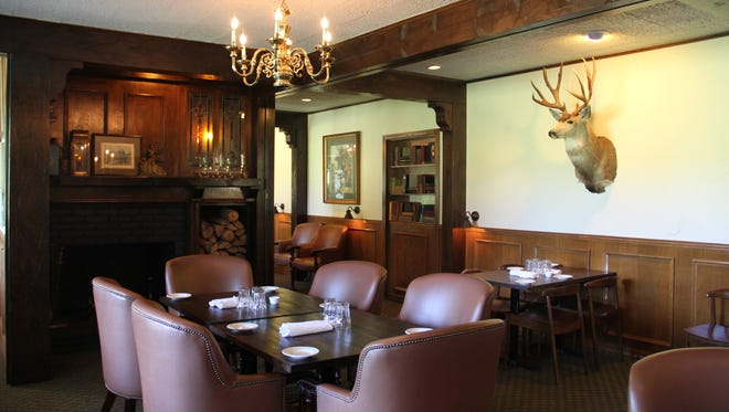 FairWay, the new restaurant at the Salem Golf Club, is now operated by Portland's Bruce Carey Restaurants.