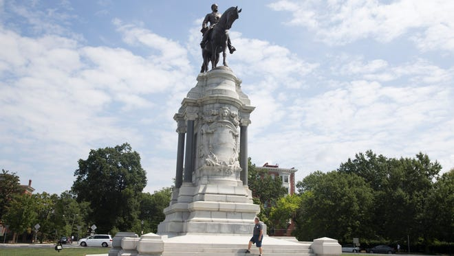 A monument honoring General Robert E. Lee in Richmond, Va.