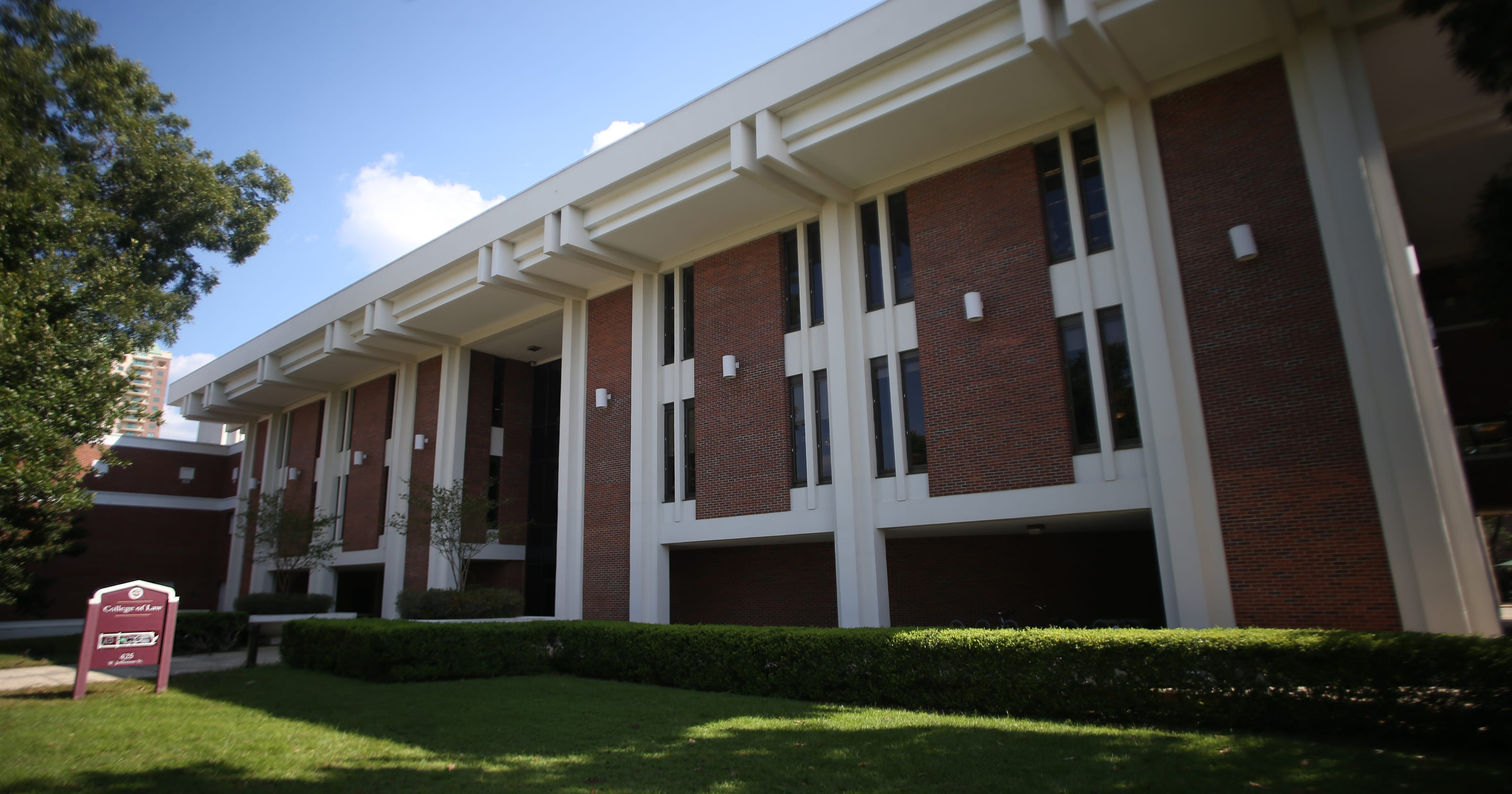 Fsu Law School >> Fsu S College Of Law Seeks Housing For Students Arriving From Puerto