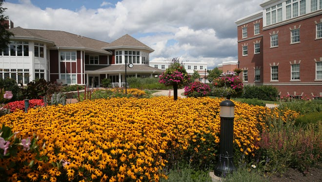 Rogers Memorial Hospital will move its corporate staff to a different location in Oconomowoc.