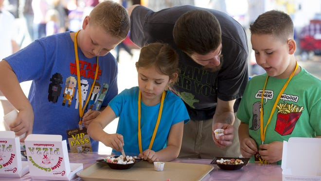 Make a chocolate pizza at the Glendale Chocolate Affaire, Feb. 9-11.