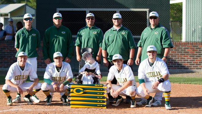 Shae Stelly and his senior teammates pose with the Cecilia High baseball coaching staff on Senior Day 2015.