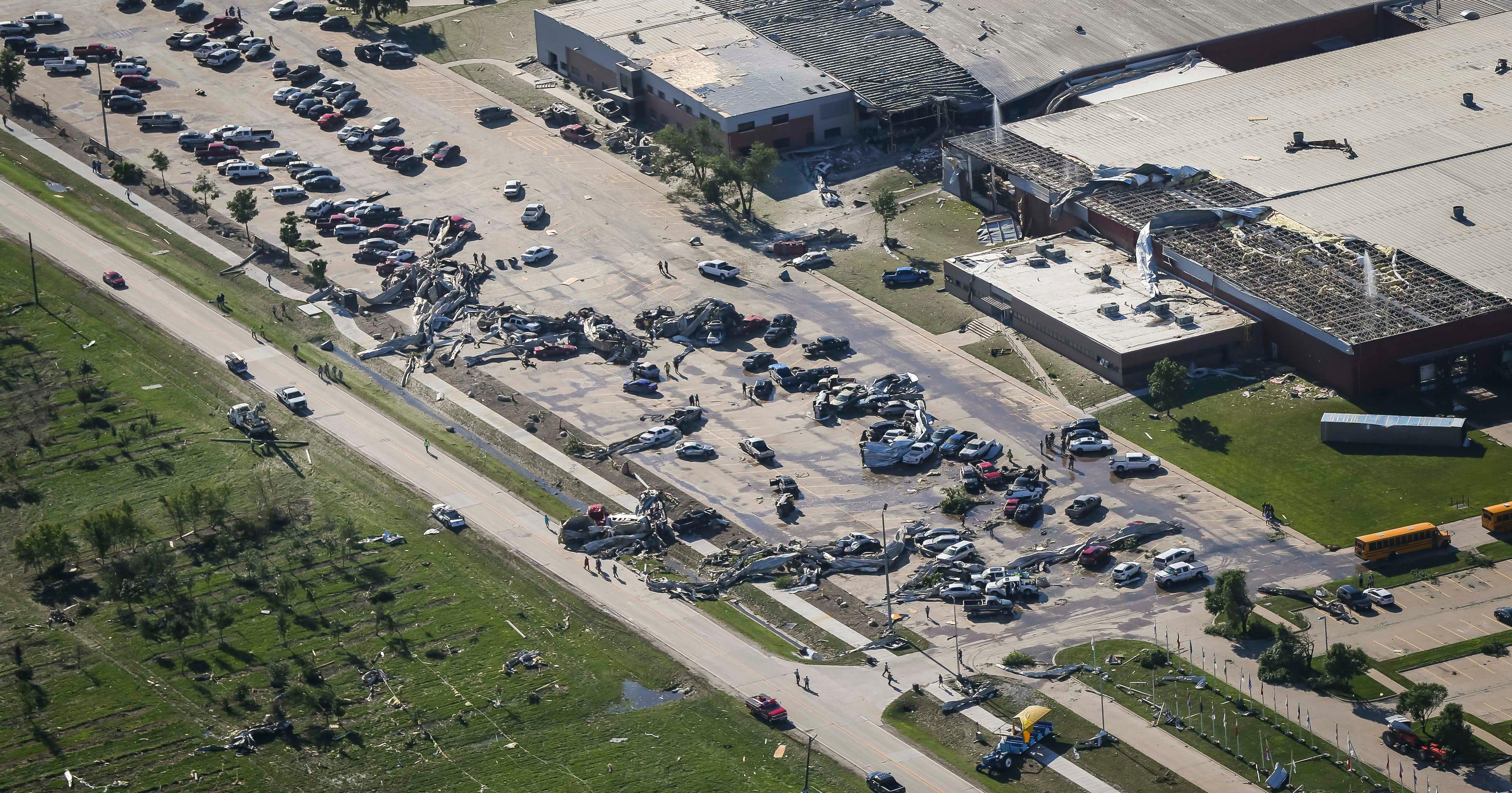 Iowa tornado: Vermeer Corp  in Pella damaged by storm