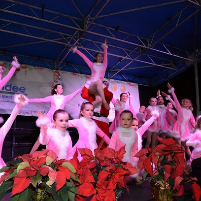 A small-town Americana Christmas: Tree-lighting brings out the season's best in all
