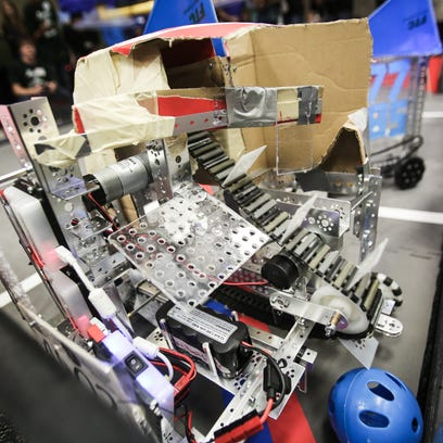 Learning from robots: Area students compete
