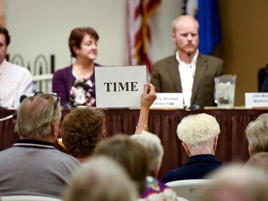 636107695244263247-District-14-debate-1.jpg