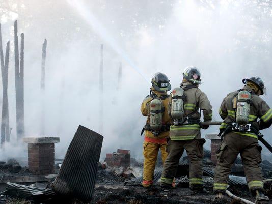 -0401_fire1.jpg_20070402.jpg
