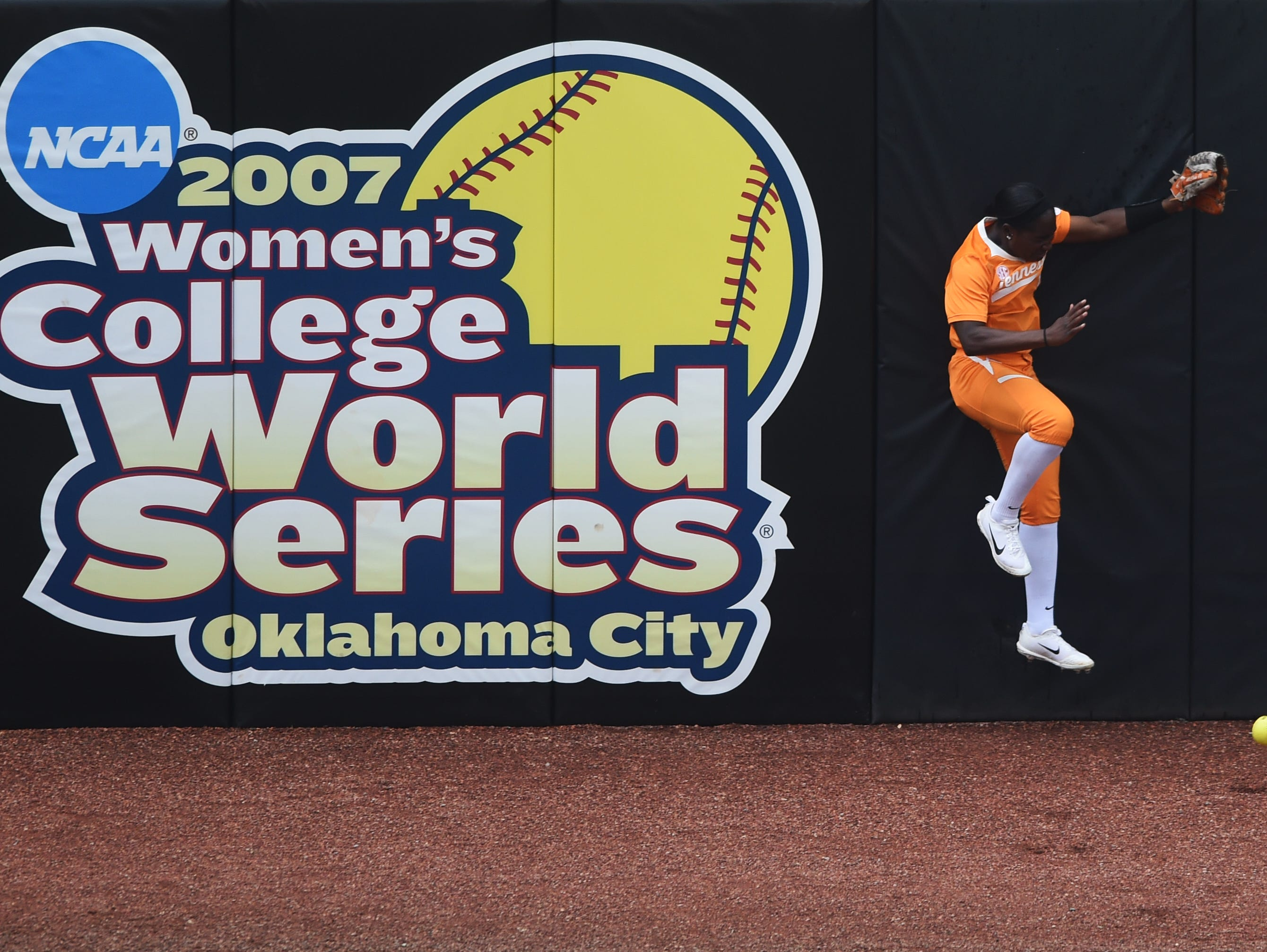 Tennessee's CJ McClain (6) misses a catch in center field during an NCAA Super Regional game between Tennessee and Texas A&M at Sherri Parker Lee Stadium on Saturday, May 27, 2017. Texas A&M defeated Tennessee 6-5.