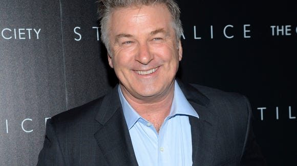 Alec Baldwin can smile about Twitter again, after quitting