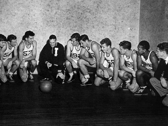 John Wooden with his team at Indiana State. Walker