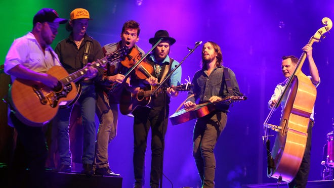 "Old Crow Medicine Show will celebrate Bob Dylan's ""Blonde on Blonde"" album on May 12-13 at the Country Music Hall of Fame and Museum."